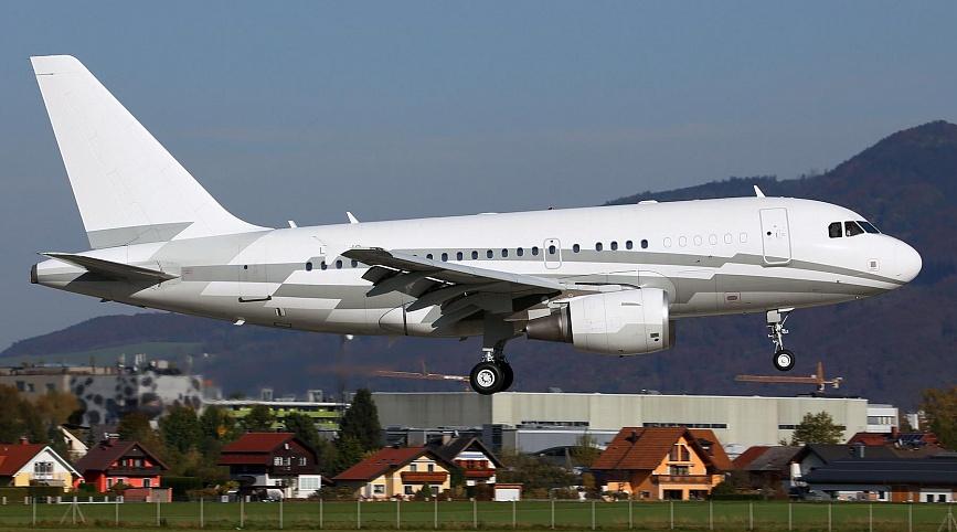 AIRBUS A318 ELITE 1 - Airbus A318 Elite