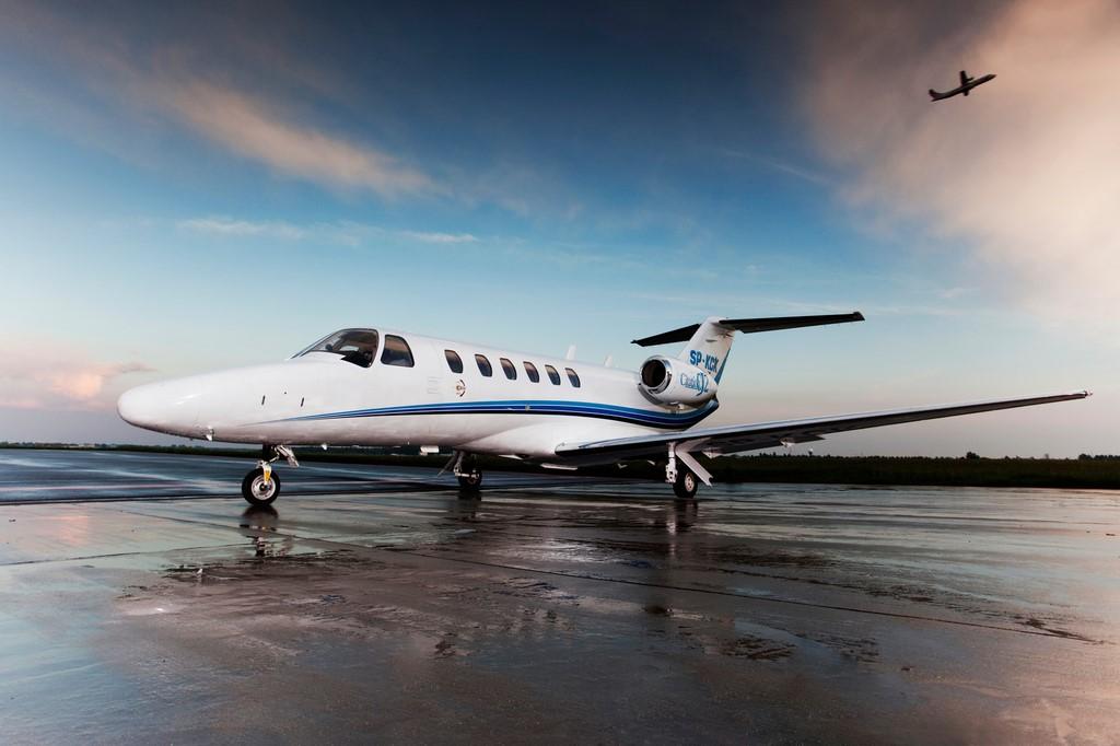 zmniejszone CessnaCJ2 04 - Cessna Citation CJ2