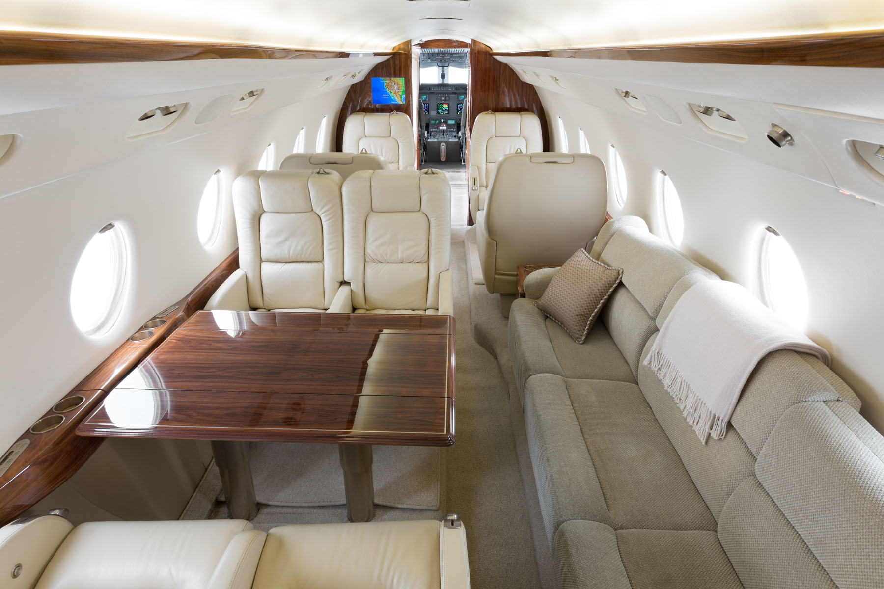 1 фото салон GULFSTREAM G280 - Gulfstream G-280