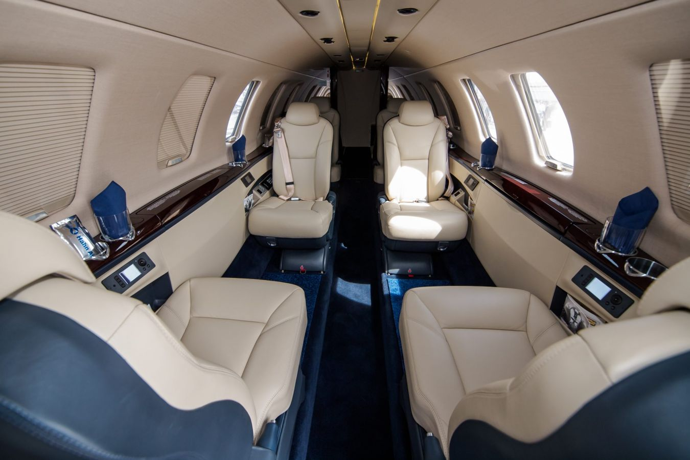 1 фото салон CessnaCitationCJ4 interior light jets - Cessna Citation CJ4