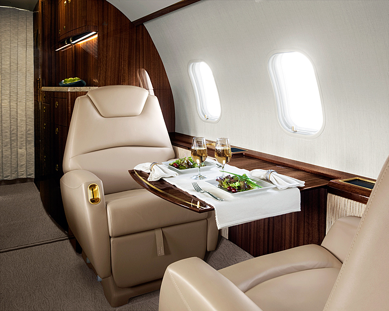 20306intseat - Bombardier Challanger 300