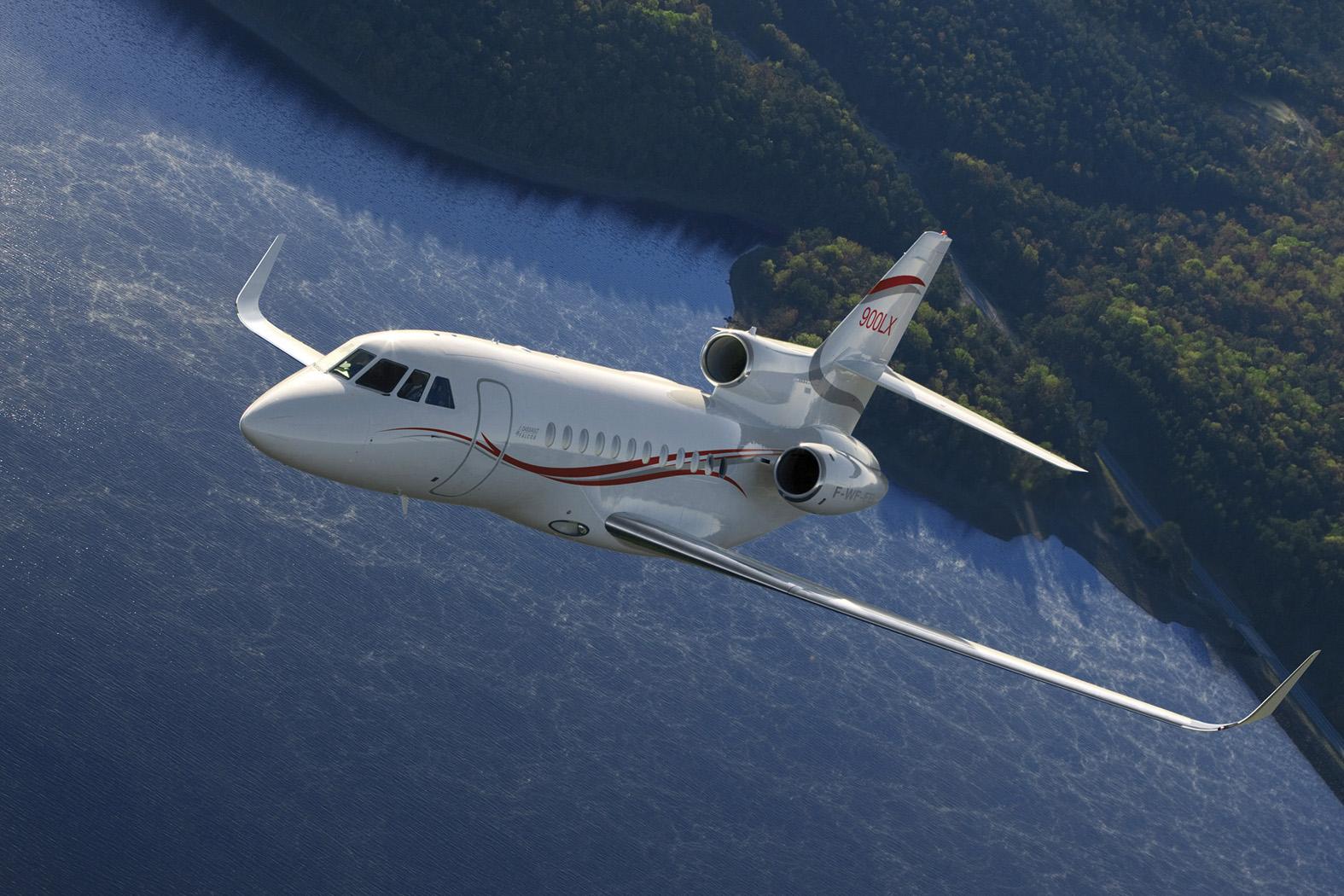 2db9e149d45d0e4f5ed27d877f5e0144 - Dassault Falcon 2000