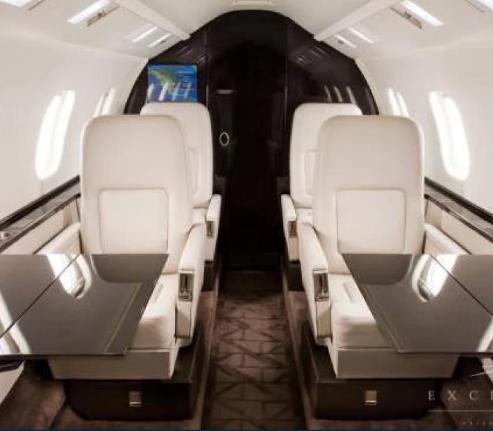 BOMBARDIER LEARJET 60XR салон - Learjet 60XR